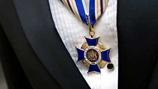 Alberta Order of Excellence medallion