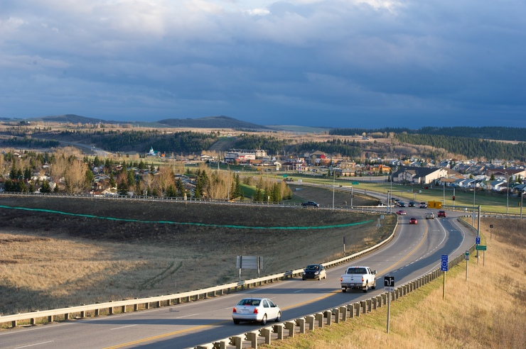 Photo of highways 1A and 22 in Cochrane